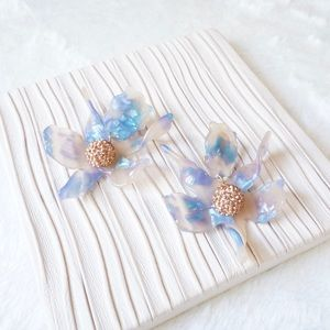 Lele Sadoughi Crystal Lily Earrings in Blue